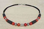 Kowal Outdoorschmuck Damenhalskette Black and Red aqua plus, Frontansicht, klein