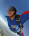 Kette Nigra, beim Fallschirmspringen getragen